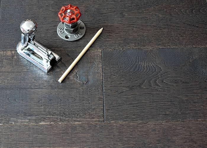 Parquet Contrecollé Chêne Cotton - 15 x 190 x 1900 mm - teinté noir huilé naturel