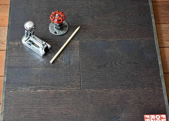 Parquet Contrecollé Chêne Cotton - 15 x 190 x 1900 mm - teinté noir - huilé naturel