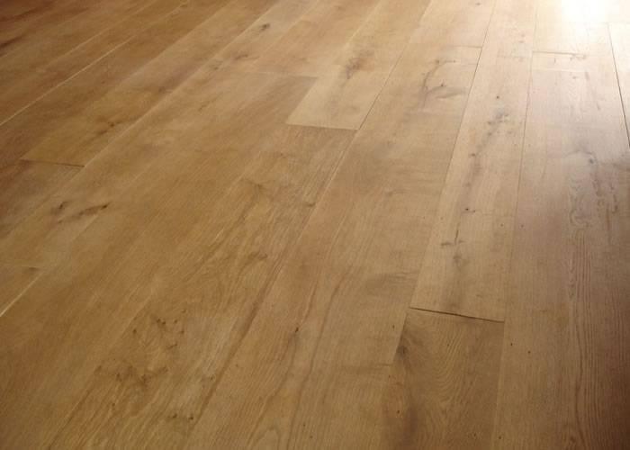 Parquet contrecollé Chêne Premier - 10 x 90 x 900 mm - vernis - PROMO