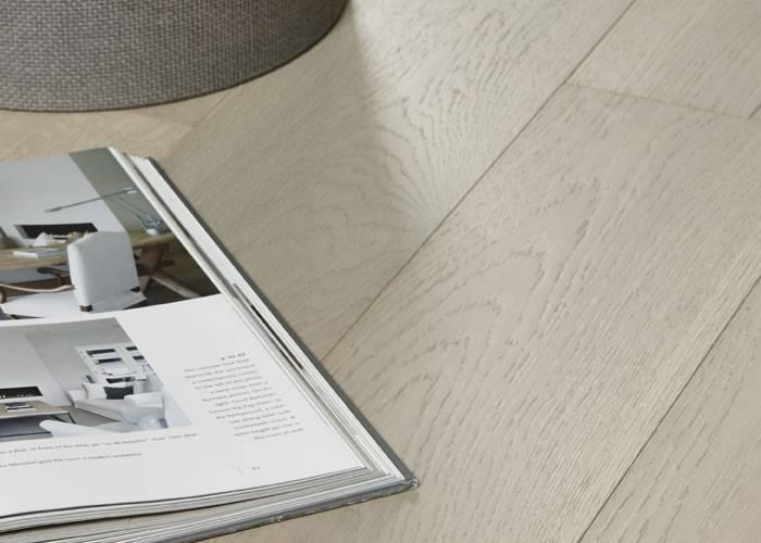 Parquet Contrecollé Chêne rustique - 10 x 148 x 1860 mm - brossé - Verni blanchi - Nancy