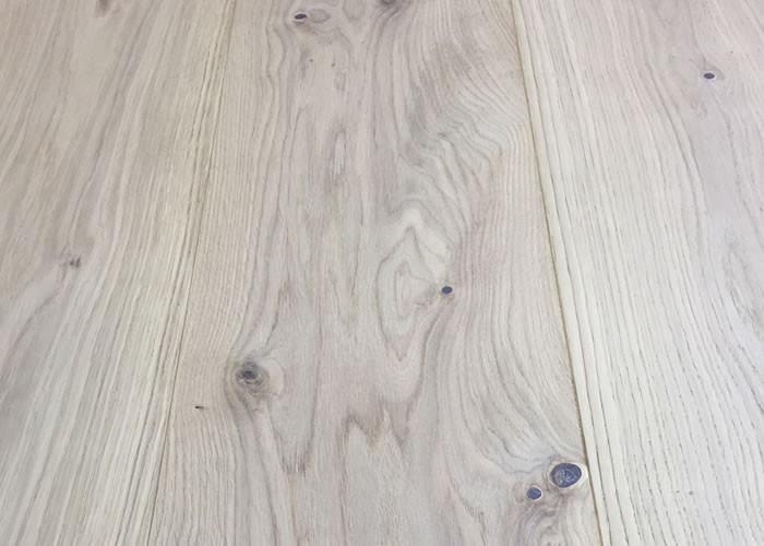 Parquet Contrecollé Chêne Rustique - 14 x 190 mm - verni aspect bois brut
