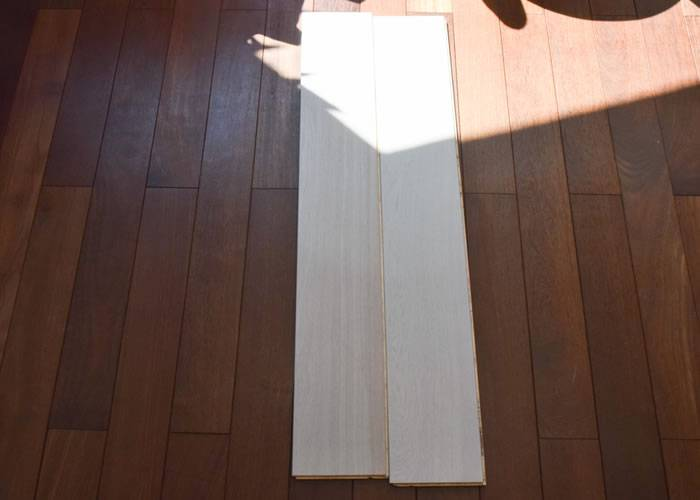 Parquet contrecollé Chêne Rustique - 10 x 140 mm - Verni - Blanc Neige