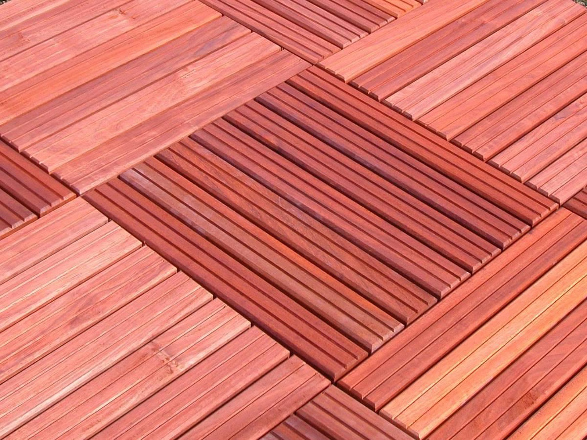 Dalle caillebotis en bois exotique Padouk - 1000 x 1000 x 38 mm - 14 lames lisses
