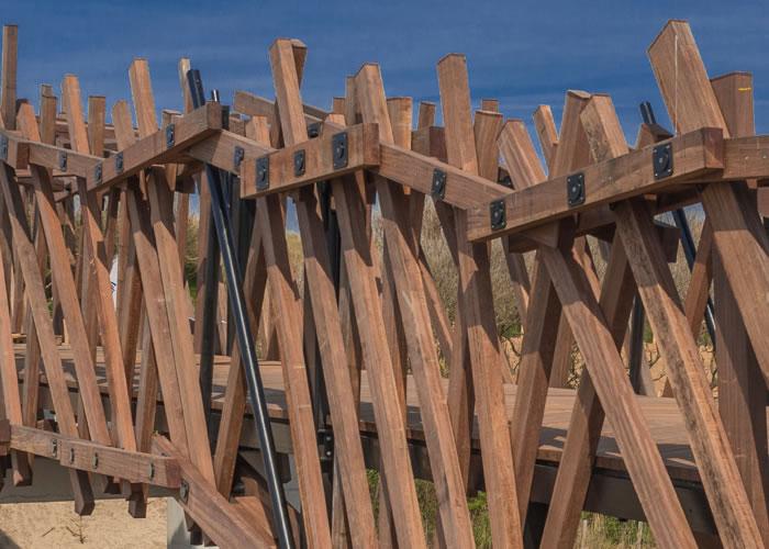 Lame de passerelle en azobe massif brut - Strié Sur mesure 30 x 225 mm