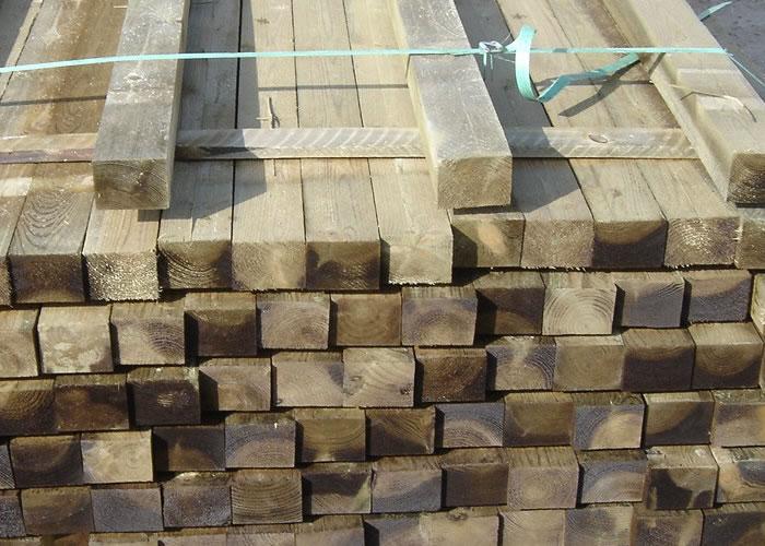 Lambourde pin du nord classe 4 - 70 x 70 x 3000 mm