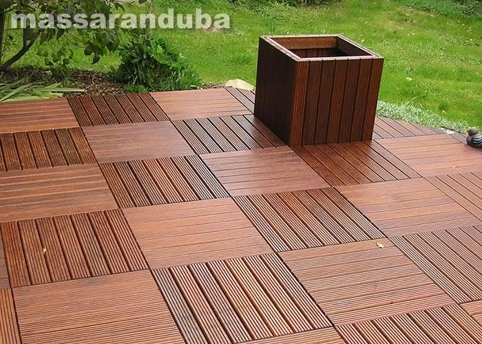 Dalle caillebotis en bois exotique Macaranduba - 500 x 500 x 44 mm - 7 lames Striées