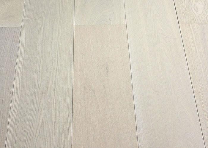 Parquet Contrecollé Chene Premier/Rustique - 15 x 189 x 1860 mm - brossé - huilé blanc - sandy