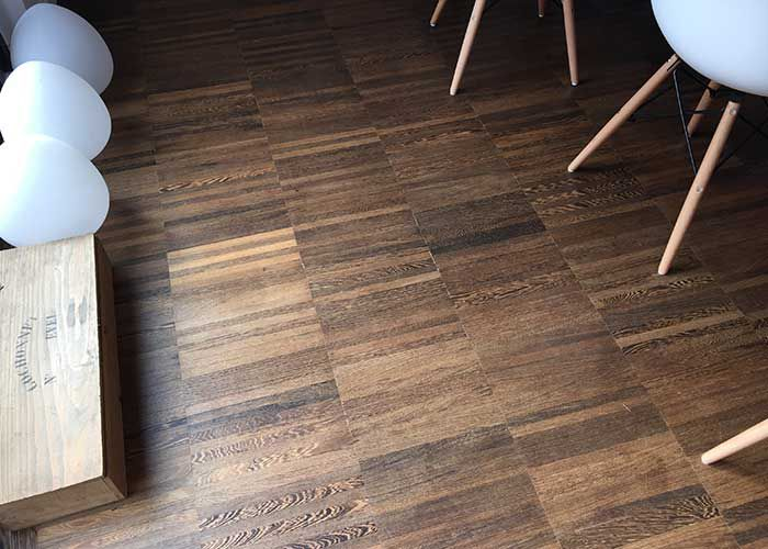 Parquet industriel sur chants en Wengé