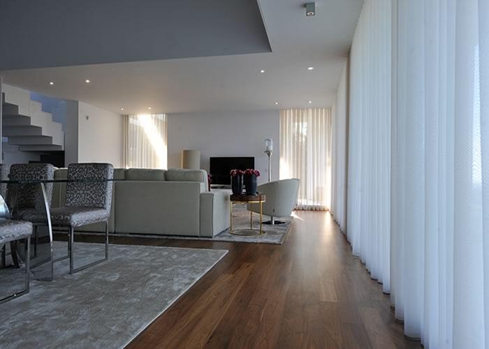 parquet massif noyer am ricain nature 20 x 130 mm brut. Black Bedroom Furniture Sets. Home Design Ideas